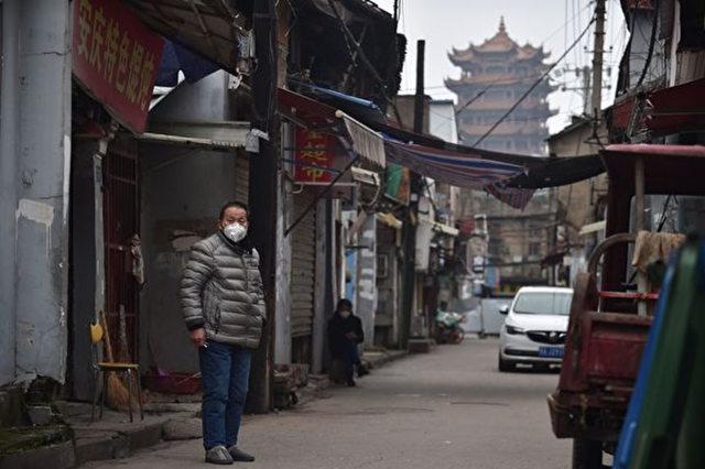 【喷嚏图卦20200404】他们整天不务正业,如果在中国,这种人可能老早就被中国人民要求撤换了